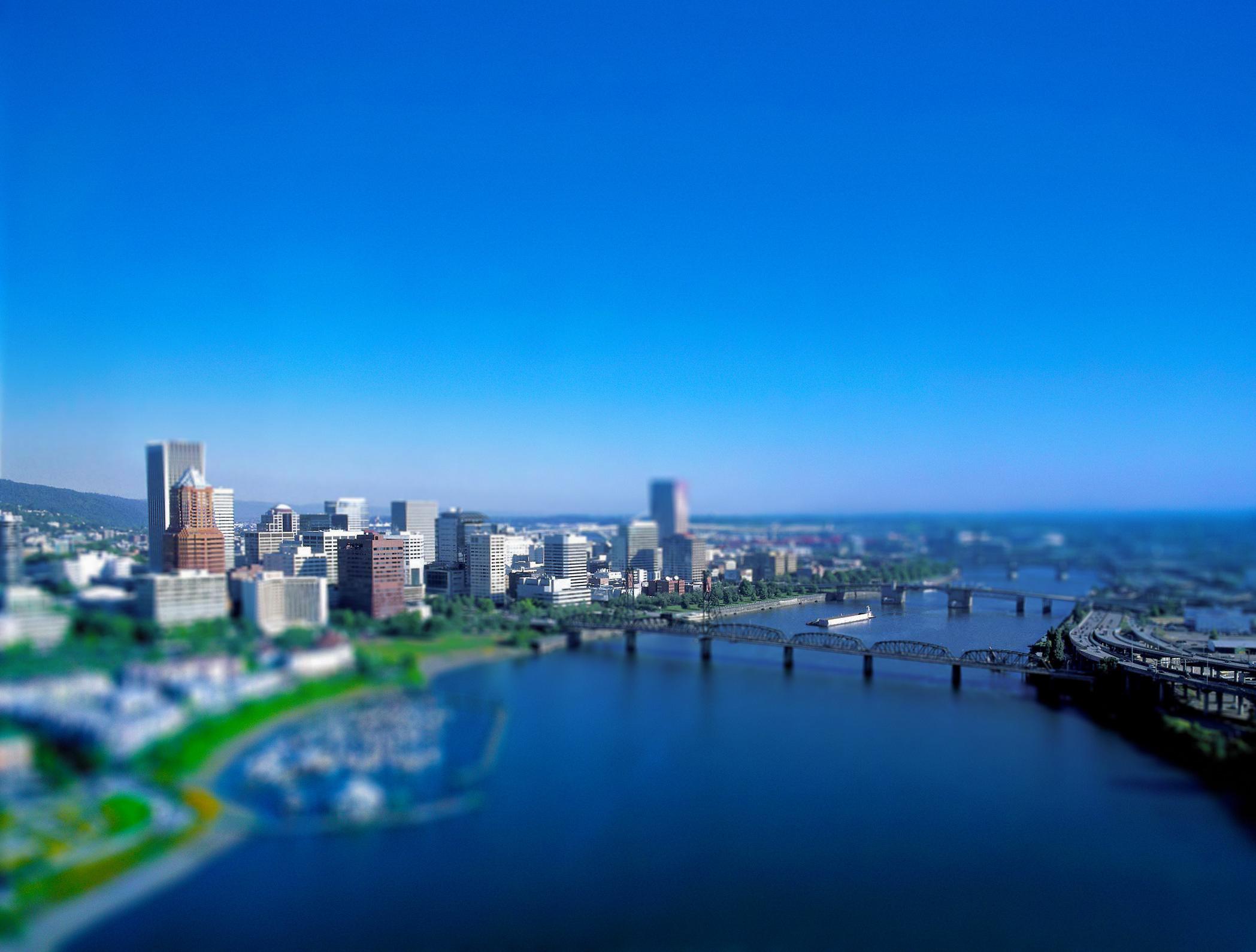 portland-skyline-bridge-tilt-shift
